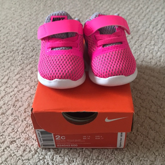 e61514b7c34f26 NWT Baby Nike Shoes- Pink Size 2C